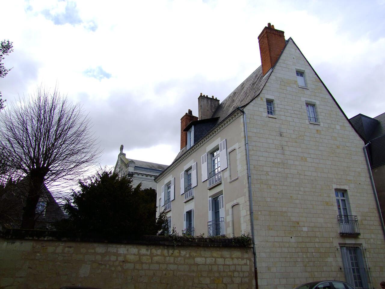 Maison d'Accueil Saint-Martin attenante à la Basilique Saint-Martin de Tours