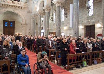 La foule fête Saint-Martin de Tours